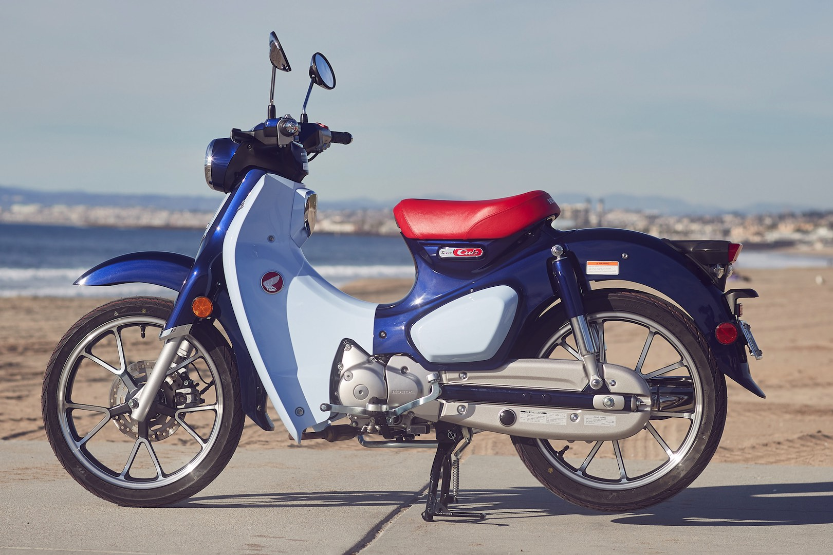 2019 honda super cub c125 abs review 16 fast facts. Black Bedroom Furniture Sets. Home Design Ideas