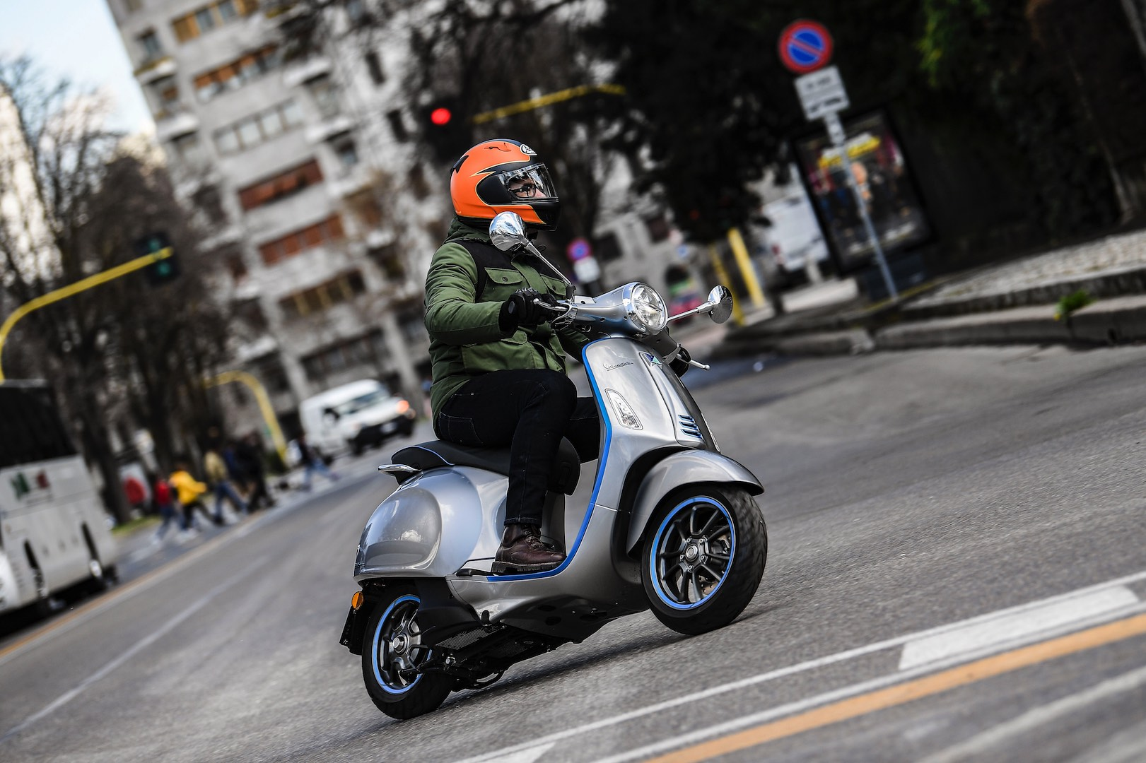 2019 Vespa Elettrica Review - electric scooter