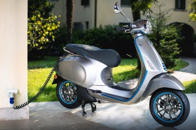 2019 Vespa Elettrica Review - scooter charging
