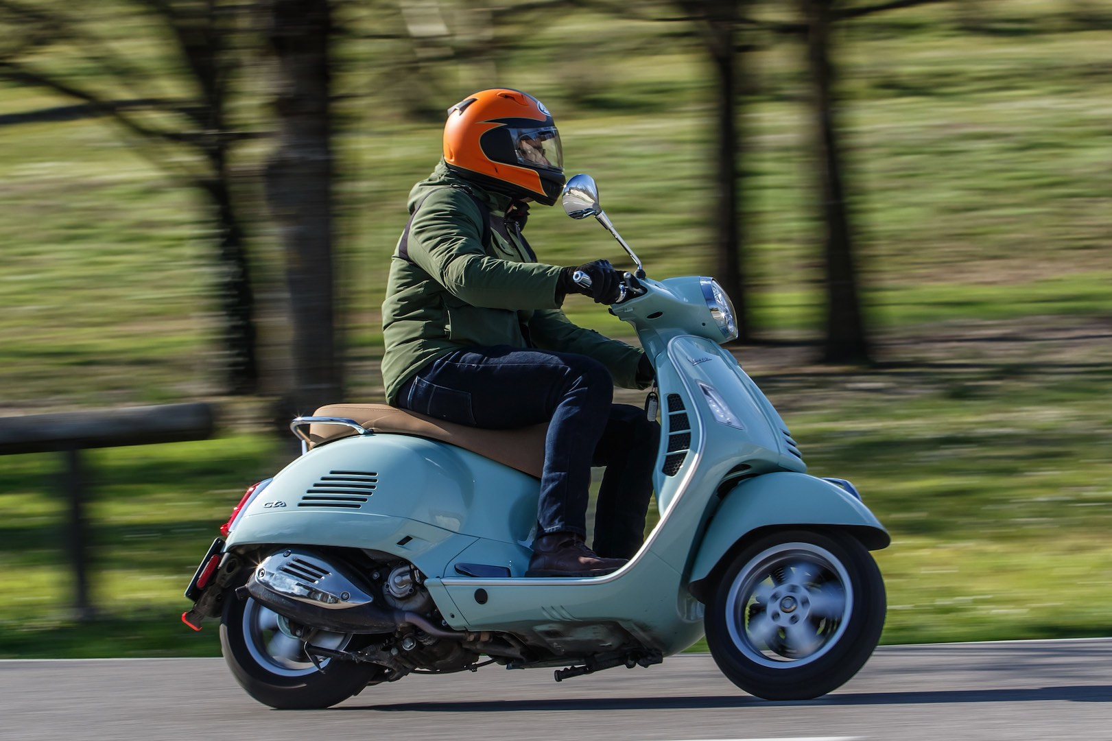2019 Vespa Elettrica and 2020 GTS 300 HPE Review