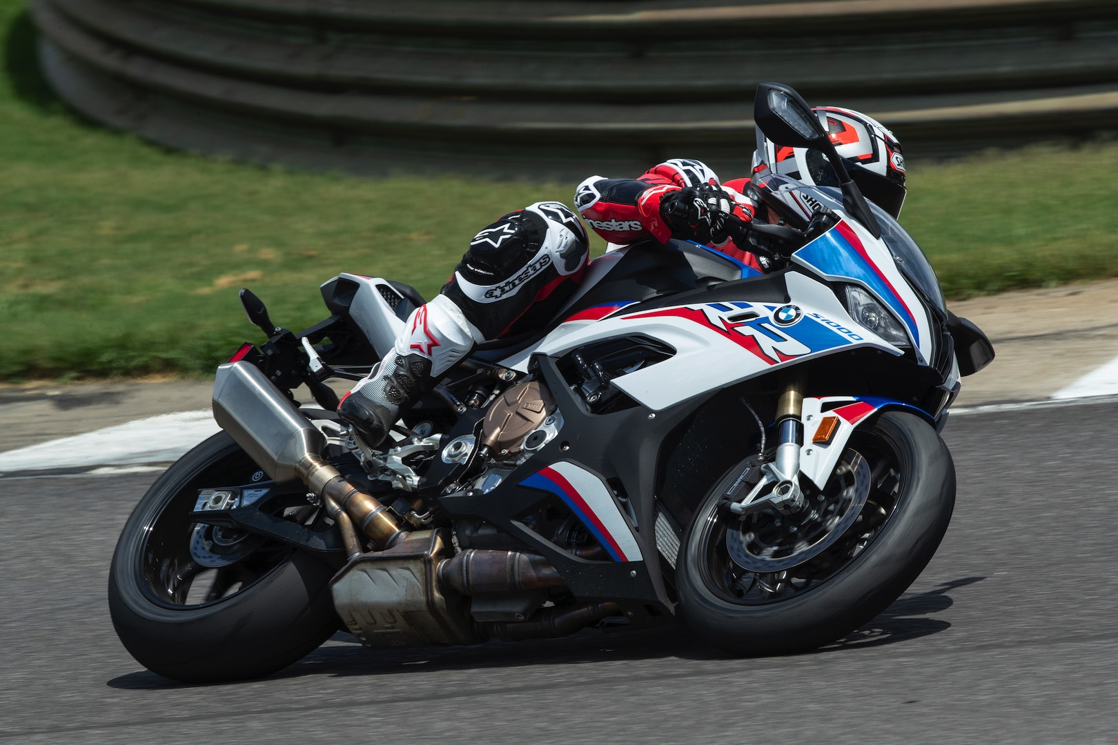 BMW S 1000 RR vs other superbikes