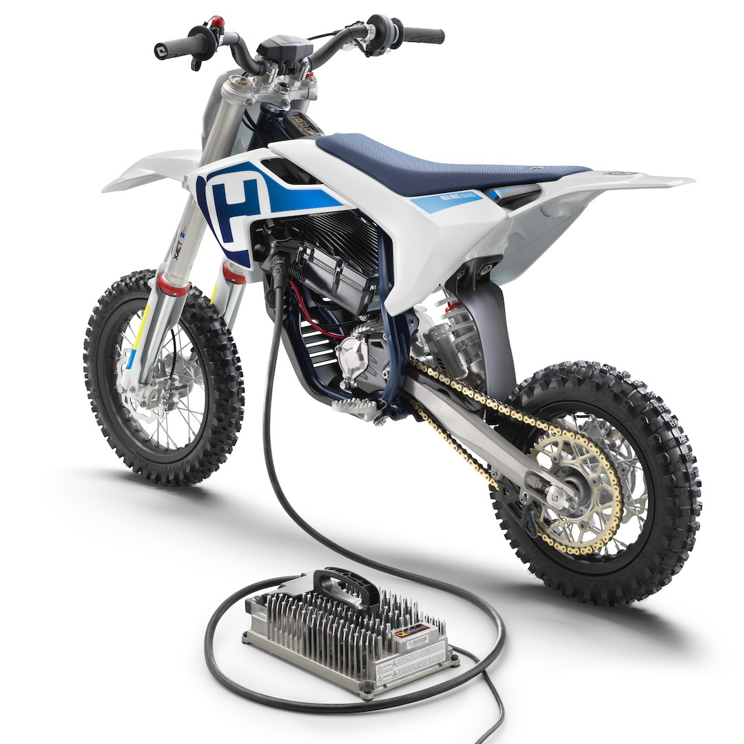 2020 Husqvarna EE 5 First Look - left rear with charger