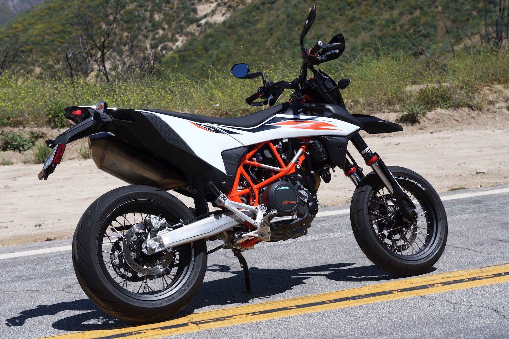 2019 Ktm 690 Smc R Review 17 Fast Facts
