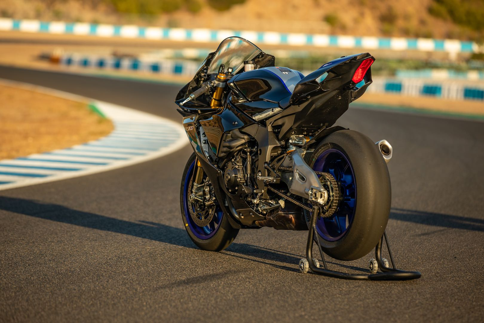 2020 Yamaha Yzf R1 And Yzf R1m Review 23 Fast Facts