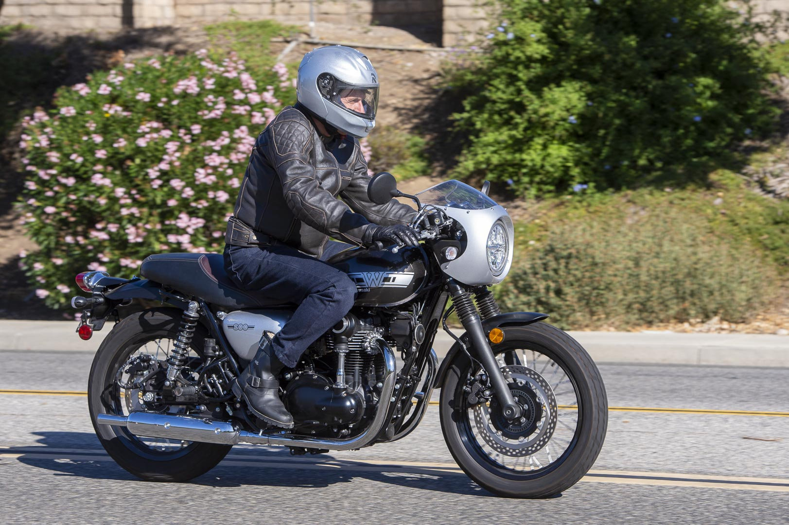 2019 Kawasaki W2 Cafe Review - Price