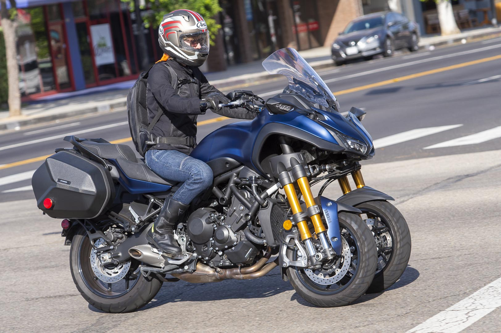 2019 Yamaha Niken GT: Commuter Motorcycle Test