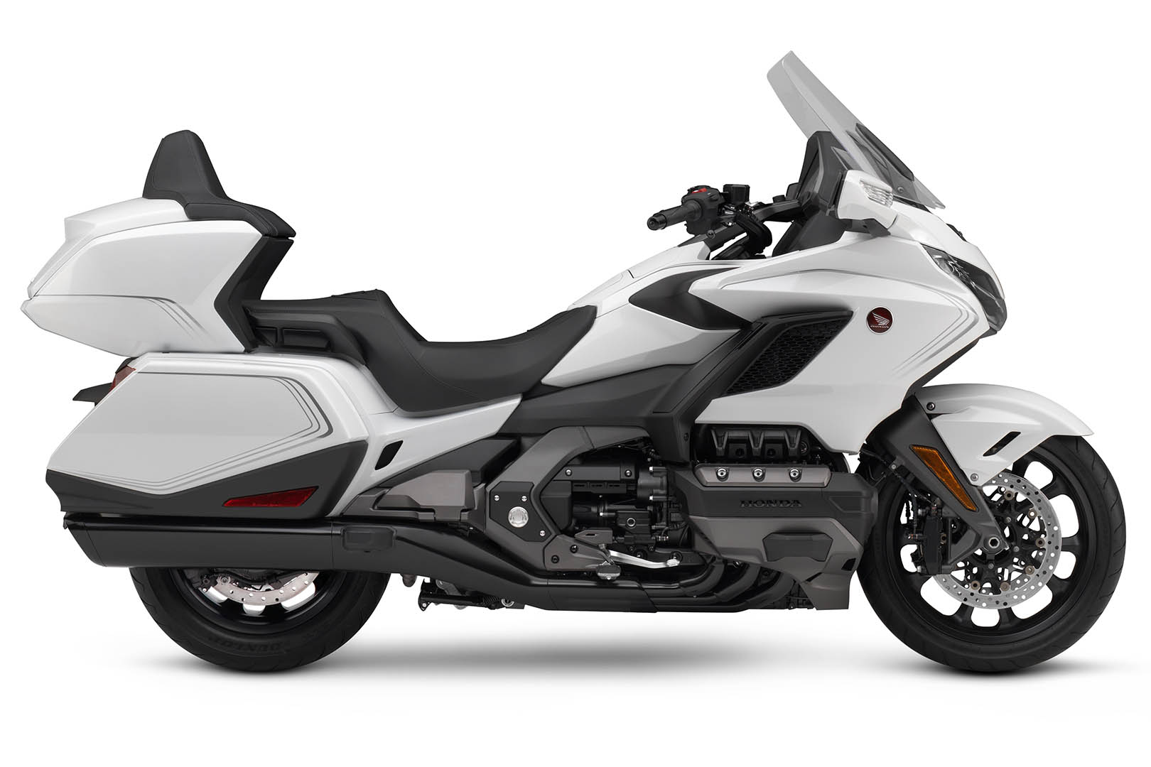 2020 Honda Gold Wing Tour Buyers Guide - luxury touring motorcycle
