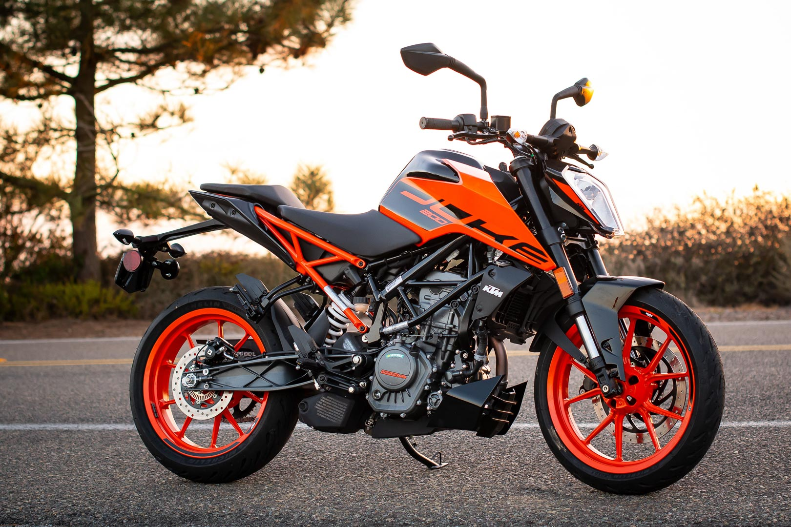 2020 KTM 200 Duke Review: Sport Motorcycle