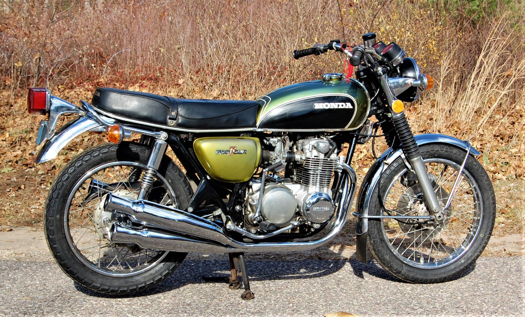 1973 Honda CB500K2 new pipes rt side: AFTER: November 2020 with the new OEM-spec four-into-four pipes