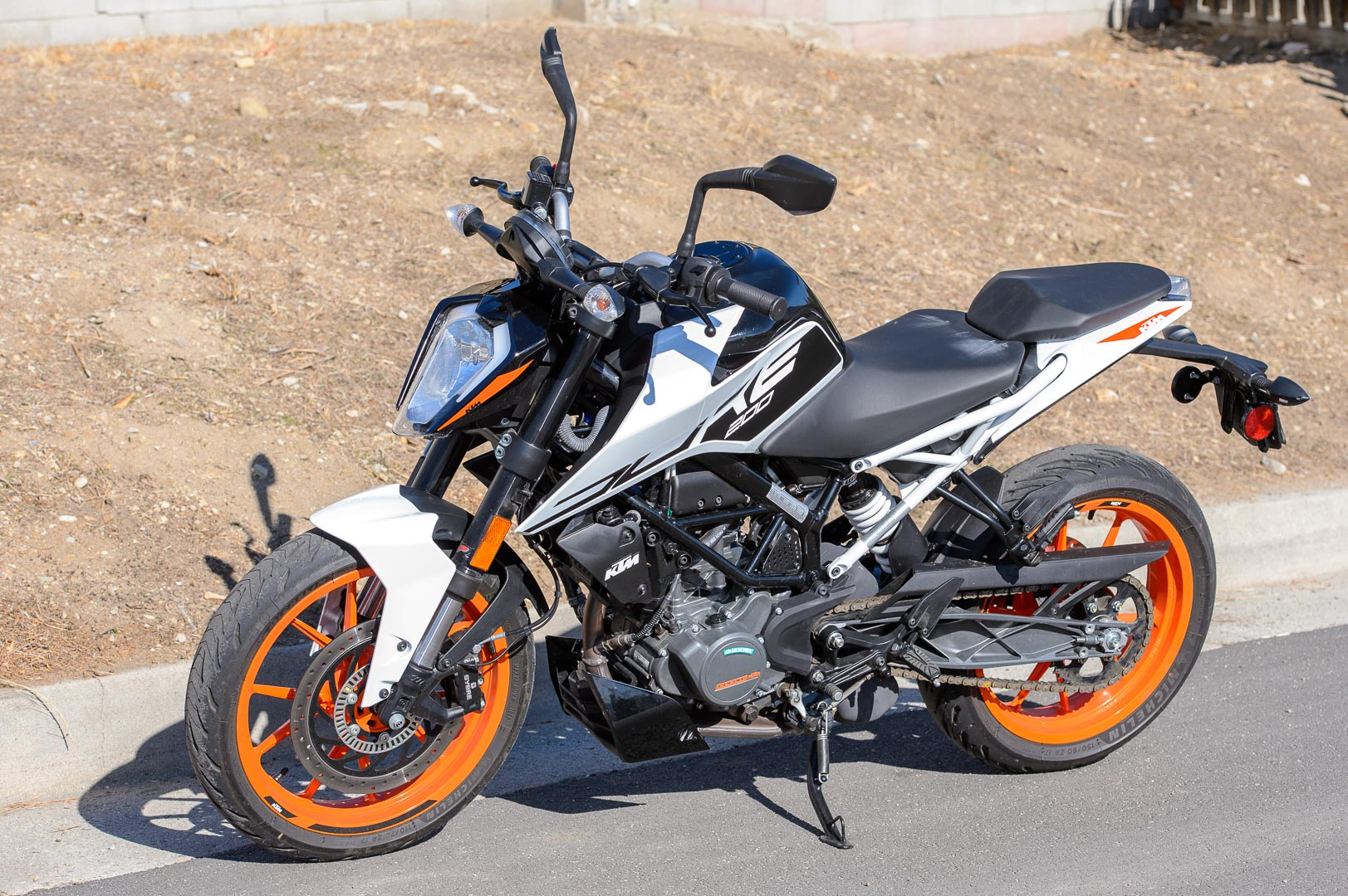 2020 KTM 200 Duke Test: MSRP