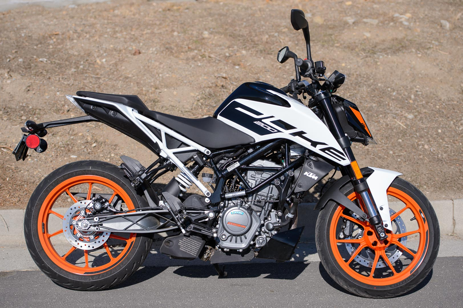 2020 KTM 200 Duke Test: Price