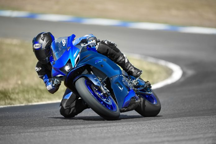 2022 Yamaha YZF-R7 First Look (11 Fast Facts + 30 Photos)